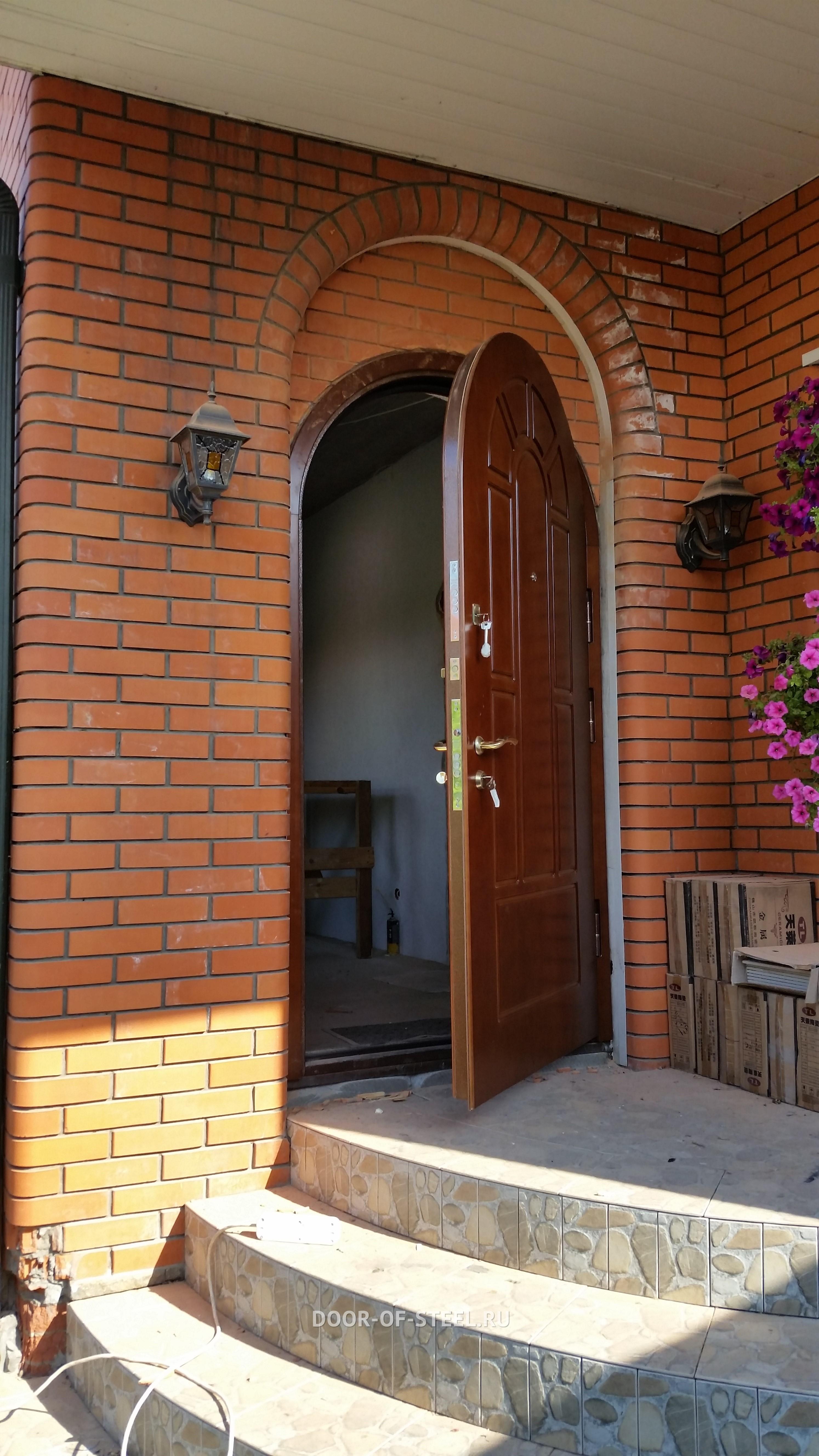 изготовить металлическую дверь в загородный дом