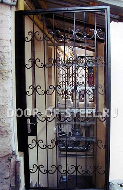 металлическая декоративная решетка на дверь